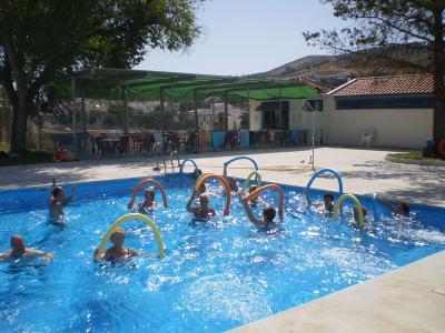 Programa de Aquagim en la piscina municipal
