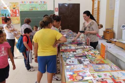 V Feria del Libro en el Colegio de Valenzuela
