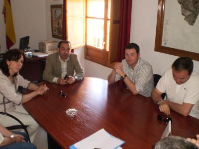 La presidenta de Diputación visita Valenzuela
