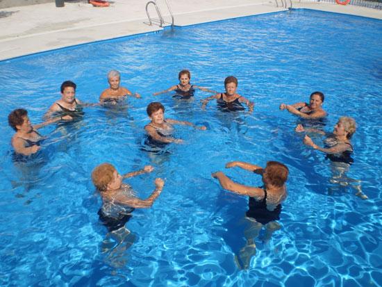 Programa de gimnasia acuática en Valenzuela