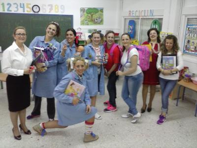 Teatro y cuentacuentos del grupo de madres de alumnos.